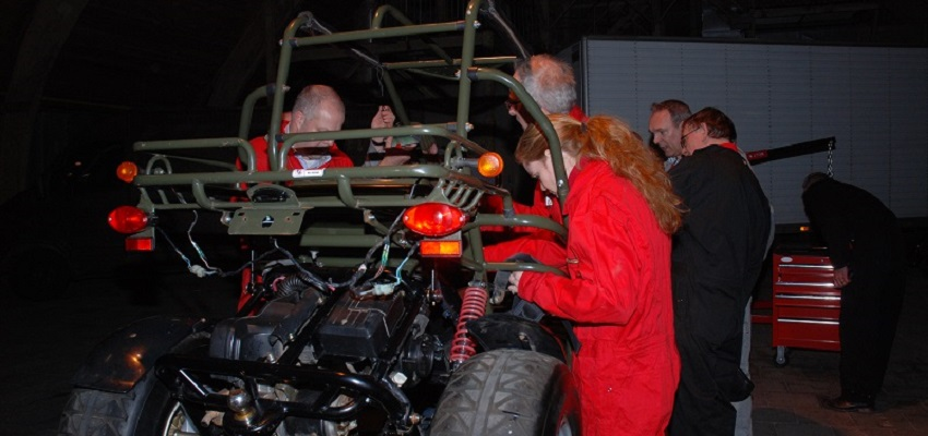 http://www.heavydecor.nl/event/images/Mechanicelbuildoff/foto10.JPG